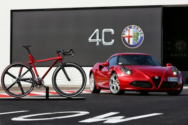 Alfa-Romeo-4C-IFD-bicicleta-1