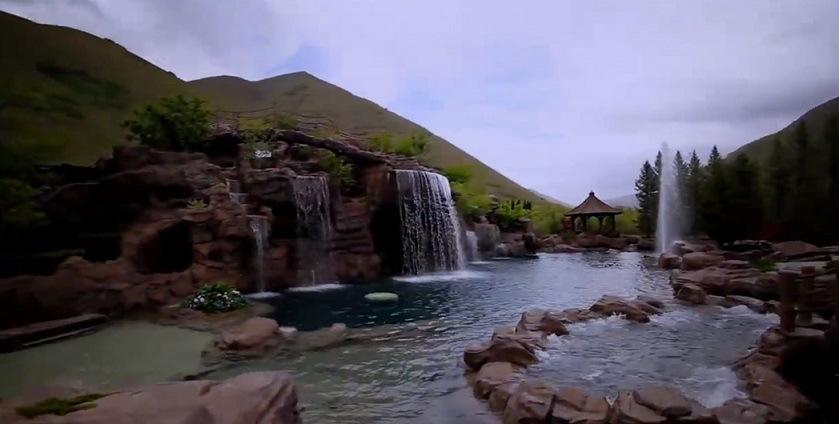 The Mountain: la piscina de los dos millones de dólares