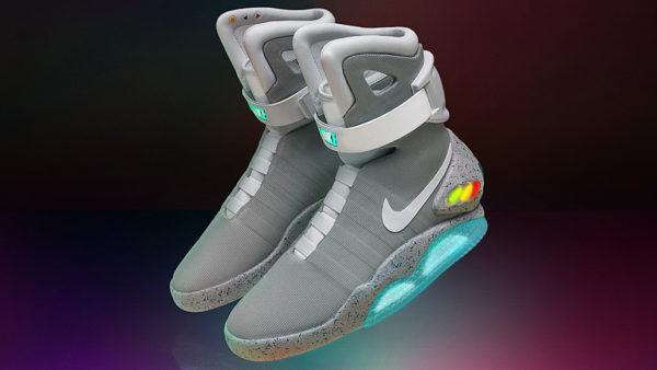 """bfaa31a70c Sí, eran las zapatillas autoajustables que Marty McFly (Michael J Fox)  llevaba en uno de los clásicos cinematográficos, """"Regreso al Futuro II"""", ..."""