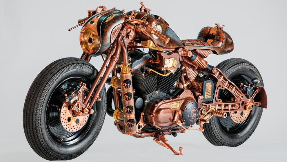 Harley Davidson Sportster 883: la espectacular moto que se exhibe en el Hard Rock Cafe de Cracovia