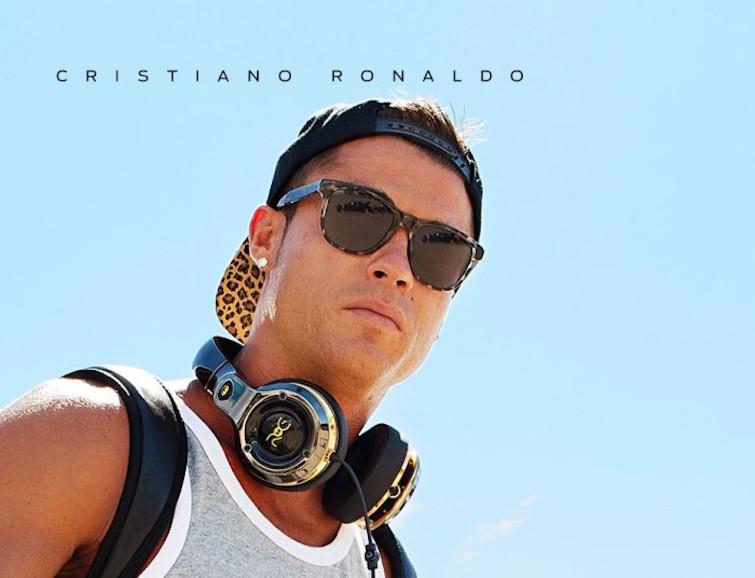 Cristiano Ronaldo presenta su nueva línea de auriculares y altavoces ROC by Monster