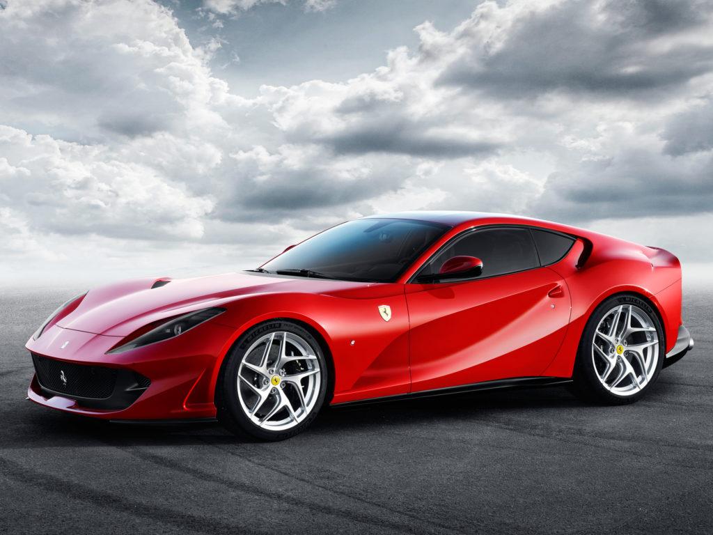 Ferrari 812 Superfast, 800 CV y 340 km/h para ser el Ferrari más rápido