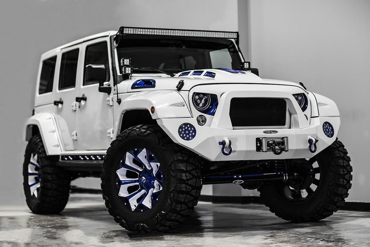 Jeep Wrangler Unlimited Sport por Voltron Motors, un exclusivo todoterreno que se vende en eBay