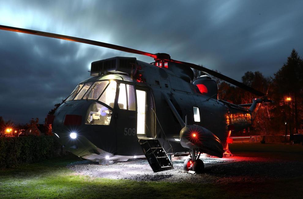 Un helicóptero militar convertido en un exclusivo alojamiento
