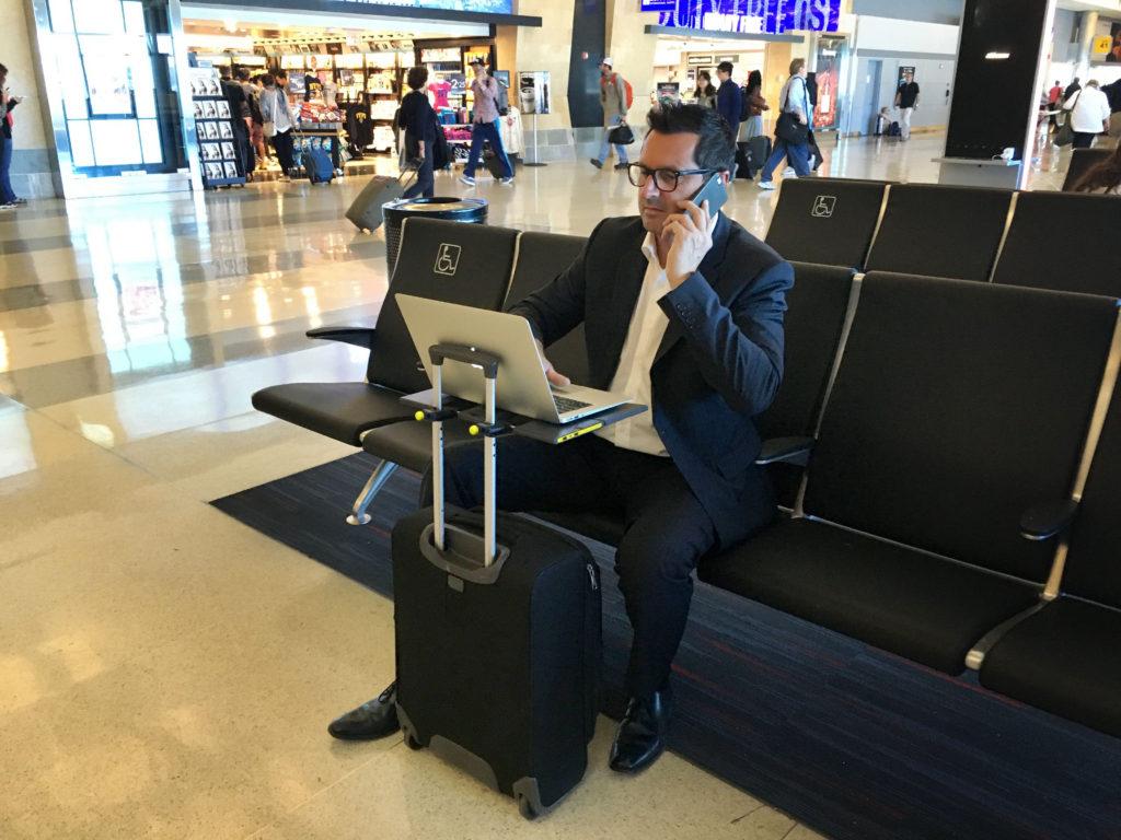 Smartoo, el escritorio portátil que se adapta a tu maleta