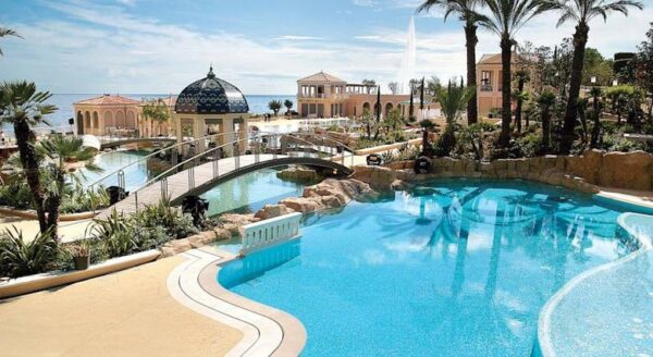 El Monte Carlo Bay Hotel & Resort, un hotel de ensueño